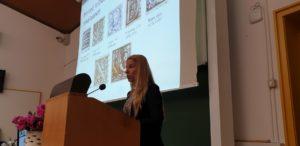 Dekanja FSMŠ, doc. dr. Ines Vodopivec, na znanstvenem simpoziju Likovna dela na pergamentu in papirju